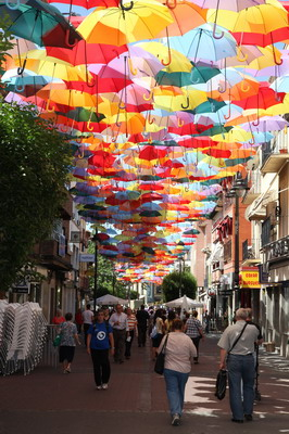 Euros para 39 repensar 39 la calle madrid for Calle jardines getafe